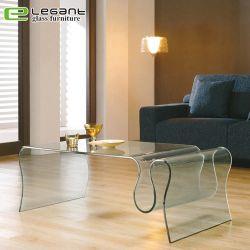 Un style moderne clair ondulées refoulées Glass Magazine Table