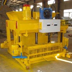 تخصيص 6A 6800/8h مصنع الخرسانة الإسمنت / صناعة الطوب ماكينة مزودة بمولات قابلة للاستبدال للبيع