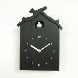 Cuco madera Consultar la hora de reloj de pared de Cuco con el cliente el diseño de sonido de aves