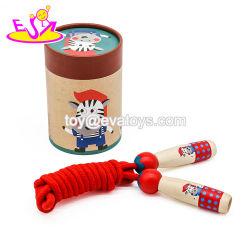 Personnaliser les enfants en bois de corde à sauter de bande dessinée pour les grossistes W01A327