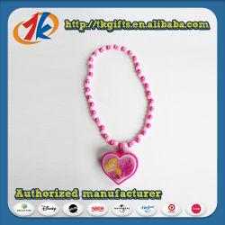 Giocattolo di plastica della collana di figura del cuore dei bei capretti