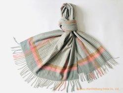 100% 폴리에스테르 여성용 겨울 스카프 라이트 브used 소형 체크 숄입니다