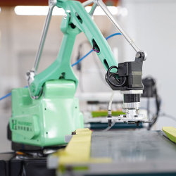 4 fraiseuse industrielle de l'axe robot manipulateur de tri de peinture par pulvérisation du robot de ramassage