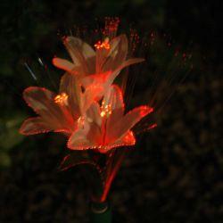 Multicの花が付いている太陽庭LEDライト棒