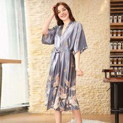 2020 nouveau pyjama en soie de femmes d'été de longue robe de chambre rouge accueil Robe de nuit