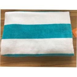 ヤーンによって染められる緑の白い縞の綿リゾートのビーチタオル
