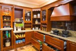 U-Form-luxuriöse hölzerne Korn-Speicher-Schränke, die Küche-Möbel speisen