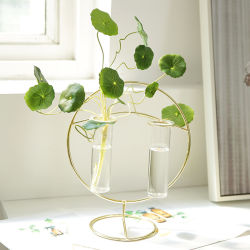 Flowerのための円形のShape Unique Durable Vintage北欧のMetal Stand Glass Vase