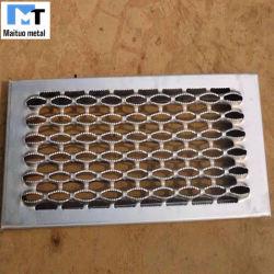 용접된/천공된 금속 패널 플레이트 미끄럼 방지 바닥 계단 메시