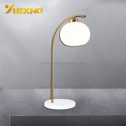 De moderne Amerikaanse Schemerlamp van het Bed van het Brons van het Metaal van de Bal Decoratieve E27 Max60W van het Kristal Kleurrijke voor Slaapkamer Binnen