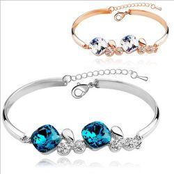 方法女性の水晶ブレスレットの腕輪