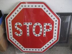 太陽エネルギーLEDの八角形停止警告の交通標識