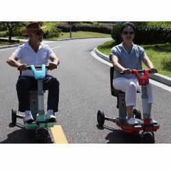 2017 три колеса складной скутер для пожилых людей с инвалидностью
