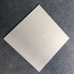 En Stock Foshan barata sal soluble Nano gres porcelanato satinado 500x500mm pulido pisos de porcelana vitrificada de baño y azulejos de pared