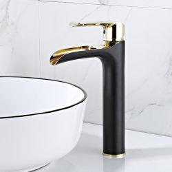 Гостевой одной ручки горячей ванной комнатой с холодной водой и водопадом раковина струей заслонки смешения воздушных потоков