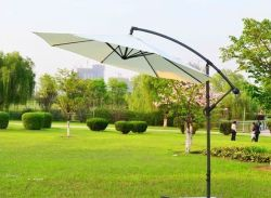 Grand parasol en acier de plein air de pliage de la banane Sun Table parapluie cantilever