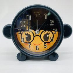 아이들을%s 소형 만화 원숭이 책상 시계는 로고를 주문을 받아서 만들었다