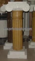 Классические декоративные предметы антиквариата смешайте рулевой колонки из светлого мрамора, вырезанными из камня римские колонны в саду дома (QCM131)
