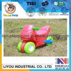 Crianças pequenas Moto Automóvel Plástico Viagem Play brinquedos com a roda para crianças