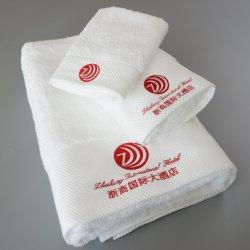 Handdoek 100% van het hotel Katoen borduurt de Badkamers van de Ontwerpen van de Handdoek