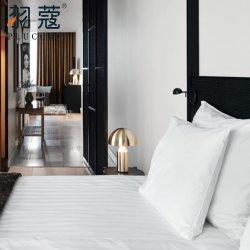 Insieme bianco adulto di tela di vendita caldo dell'assestamento dell'hotel di base dell'hotel bianco del coperchio