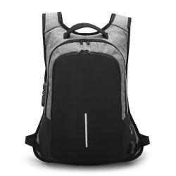 USBの充満ポートの盗難防止のバックパックが付いている防水ノート袋のバックパックのラップトップ