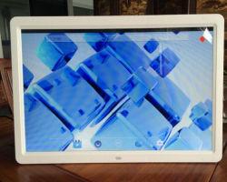 Écran LCD 12 pouces IPS affichage publicitaire WiFi Digital Picture Frame HD carte SD USB en vrac de gros de la vidéo Cadre photo numérique avec la batterie