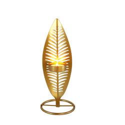 型の金の羽の形の蝋燭ホールダー