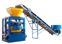 prix d'usine Qt4-24 béton de ciment automatique de blocs creux /Paver Brick/machine à fabriquer des blocs de verrouillage solide pour les matériaux de paroi