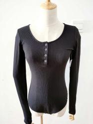 I vestiti all'ingrosso per le tute lunghe del manicotto delle donne lavorano a maglia le parti superiori in bianco