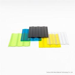 En polycarbonate et gaufré de tôle ondulée sur la carte PC avec la nature de l'éclairage