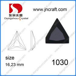 Mayorista de Yiwu triángulo posterior plana perlas de vidrio para decoración vestidos