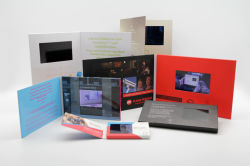 De Kaart van de groet LCD van 2.8 Duim VideoKaart Buiness met Beste Prijs en Nieuwste Ontwerp