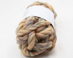 Tejido de poliéster acrílico de brazo de la manta de lana Super voluminosos de hilo grueso 12 telas Ly-P356