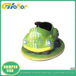 遊園地のための車のゲームコンソールアーケード・ゲーム機械の最もよい品質の子供のバンパー・カーの競争のゲーム・マシンの電池式のバンパー・カーの乗車