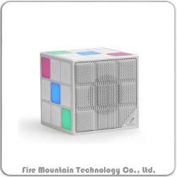 O Cube 2018 Novo Design Mini colunas Bluetooth com luz de LED