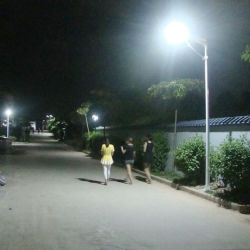 La configuración de la Energía Solar LED de alta en el exterior de la luz de la Calle Jardín