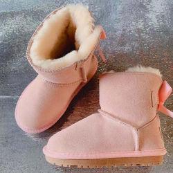 As sapatas de inicialização Rcold-Proof Inverno Fashion mulheres lã clássico de inverno em camurça genuína Botas de peles de couro Senhoras inverno quente botas de neve amarela do Tubo Intermediário