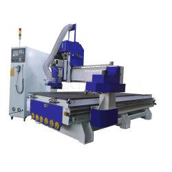 Automatisches Hilfsmittel, das CNC-Fräser-Holzbearbeitung-den hölzernen Ausschnitt-Stich schnitzt Maschine mit Lnc Kontrollsystem-Servomotor ändert
