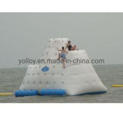 L'eau gonflables jouets flottants du Lac de l'escalade iceberg