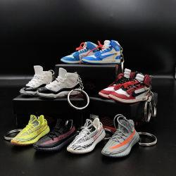 2021 Hot China Factory Großhandel Benutzerdefinierte Mode Mini Metall Gummi Weiche PVC Cup Car Jordans 1 4 Fußball Sneaker Schuhe Schlüsselanhänger als personalisierte Souvenir-Geschenke