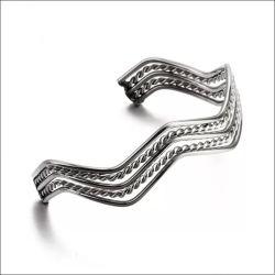 Hersteller Custom Edelstahl Metal Open Cuff Bangle mit Wavy Shape