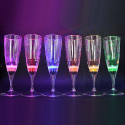 Parti populaire vente chaude lumière LED LED jusqu'tasses en verre de champagne pour barre de coupe
