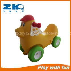 Cavaliere di plastica dell'automobile del cane del campo da giuoco dei bambini