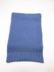 青いアクリルの女性の長いスカーフを編んでいるAw20女性ジャージー