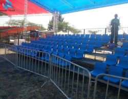 Il concerto/ginnastica/sport hanno usato i Bleachers ritrattabili, la disposizione dei posti a sedere del Bleacher, sede mobile dello stadio della tribuna