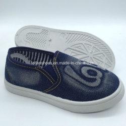 Schoenen van de Tennisschoenen van het Canvas van de Jeans van de Kinderen van de Injectie van de manier de Toevallige (hh18422-3)