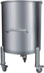serbatoio chimico mobile 500L con il coperchio aperto