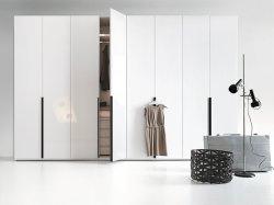 Современное белое покрытие восемью дверьми гардероб элегантные спальни,