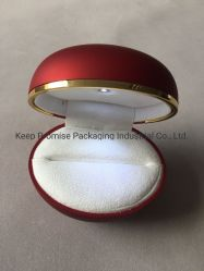 Luxury pintura vermelha papelão molde plástico luz LED Ring Caixa de jóias